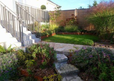 Le jardin en octobre, dans le soleil matinal